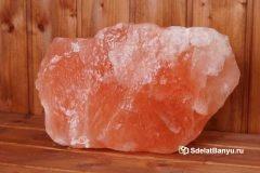 На фото гималайская соль для бани и сауны