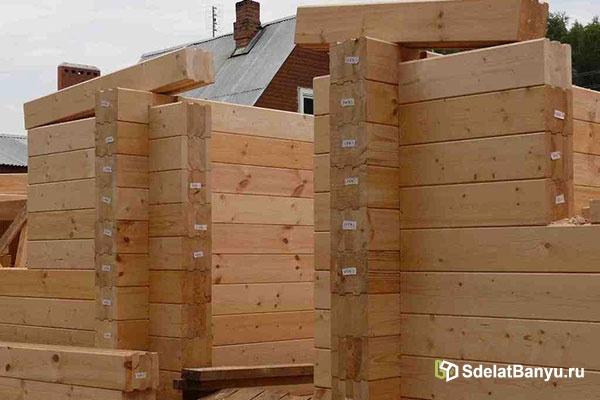 Можно ли строить баню из клееного бруса