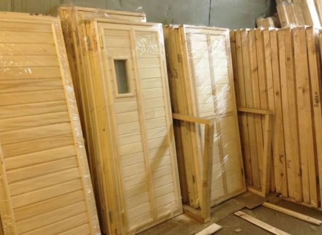 Двери для бани: материалы, размеры, установка своими руками на улицу или в парилку, пошаговая инструкция с фото
